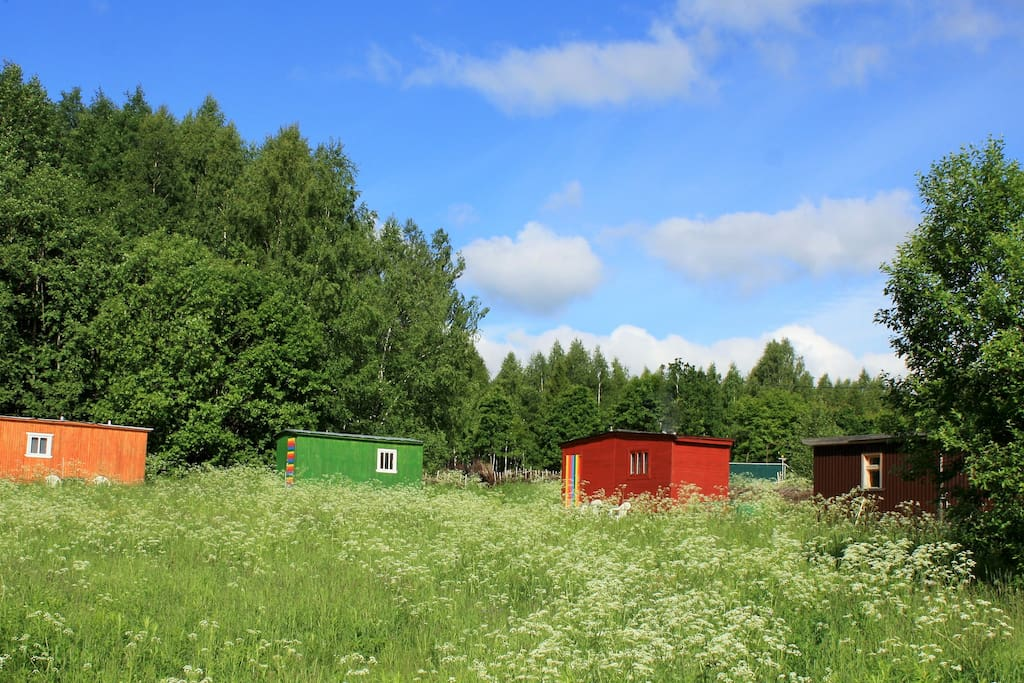 4 утепленных бытовки (дачные домики)