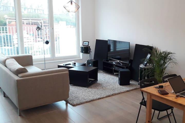 Forest: Chambre dans appartement neuf et lumineux