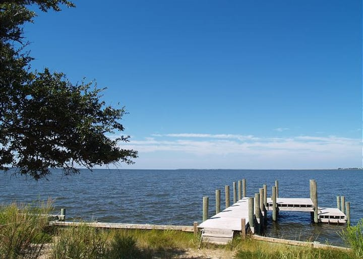 Soundfront with Gorgeous View and Private Pier!