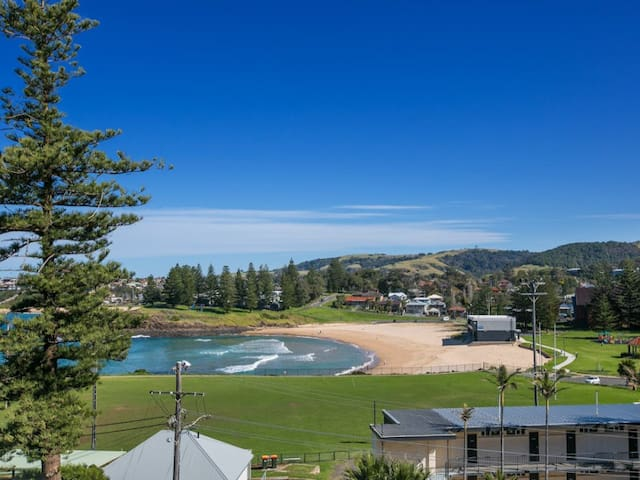 OCEAN VIEWS in the heart of Kiama with parking