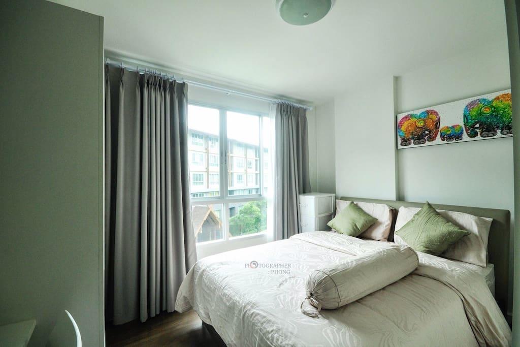 Full bedroom furniture