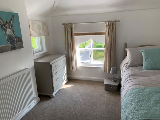 Single Bedroom with trundle