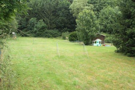 Huis in de eifel am russelbach - Talo