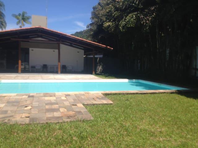 Casa Juquehy - grande piscina, próxima à praia - São Sebastião - Pis