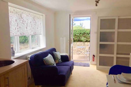 Light and bright annexe in Hayle, near St Ives