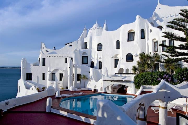 Casapueblo: el mejor atardecer de Punta Ballena