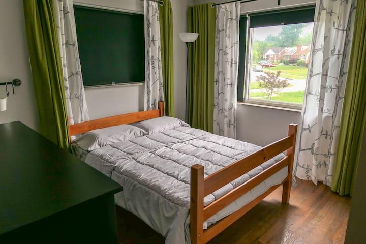 First floor bedroom w/Double bed