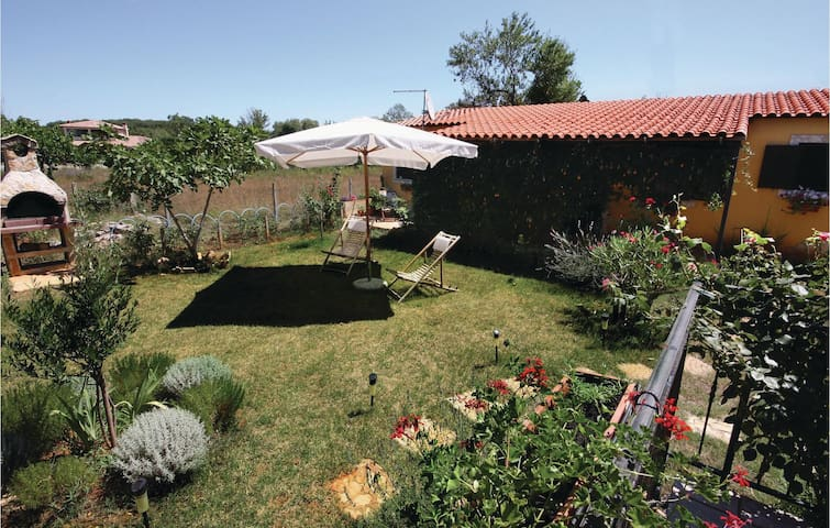 Holiday cottage 40 m² in Liznjan for 4
