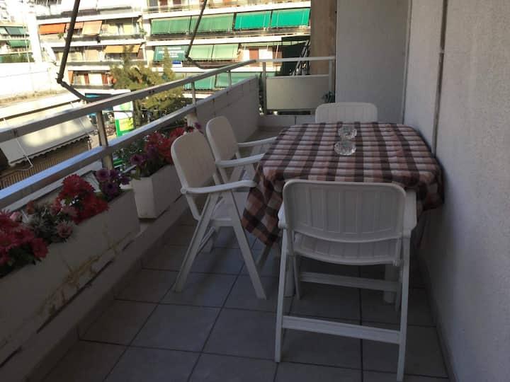 Trevlig lägenhet med 2 sovrum centralt i Aten
