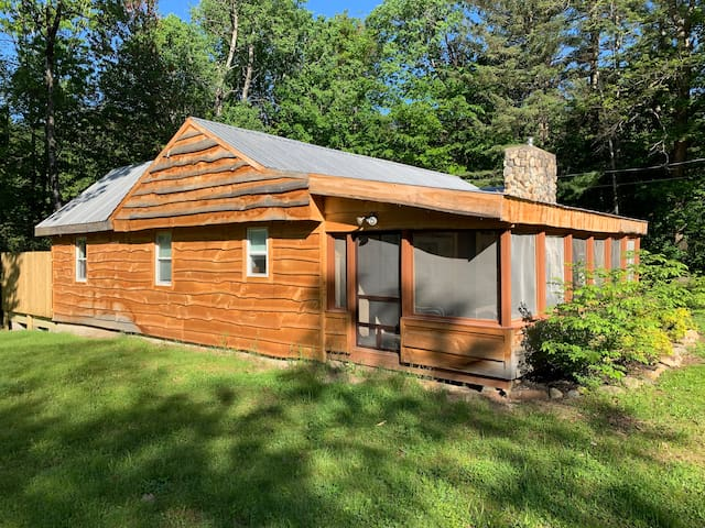 North Conway Cabin w fireplace !  Newly Renovated