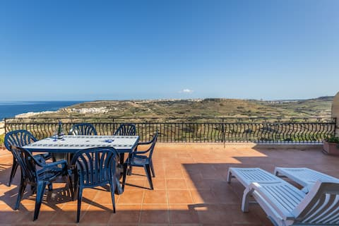 Gozo penthouse. Large terrace & exceptional view