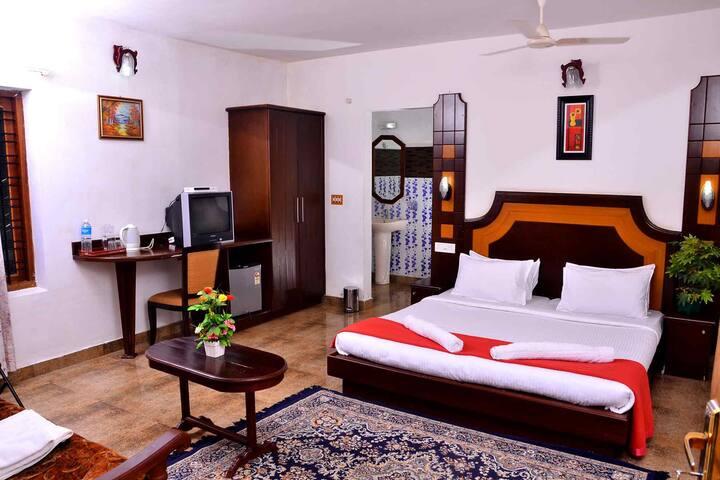 Honeymoon Suite - Panoramic Views of Lush Greenery - Kumily - Hotel històric (Índia)