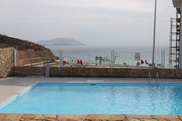 Con piscina y a 2 minutos del mar - Fnideq - Apartment