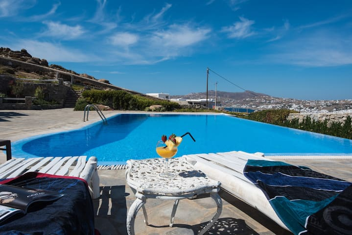 Breathtaking View Of Mykonos By A Cozy House +Pool