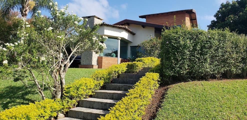 Casa no Condominio Porto de Ibiuna