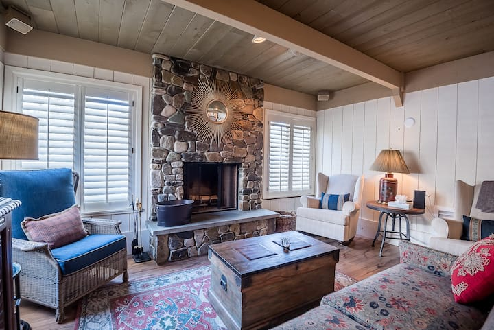 Stay in the Heart of Sun Valley - Near Dollar Mountain & Sun Valley Village  | 2 Bedroom, 2 Bathroom