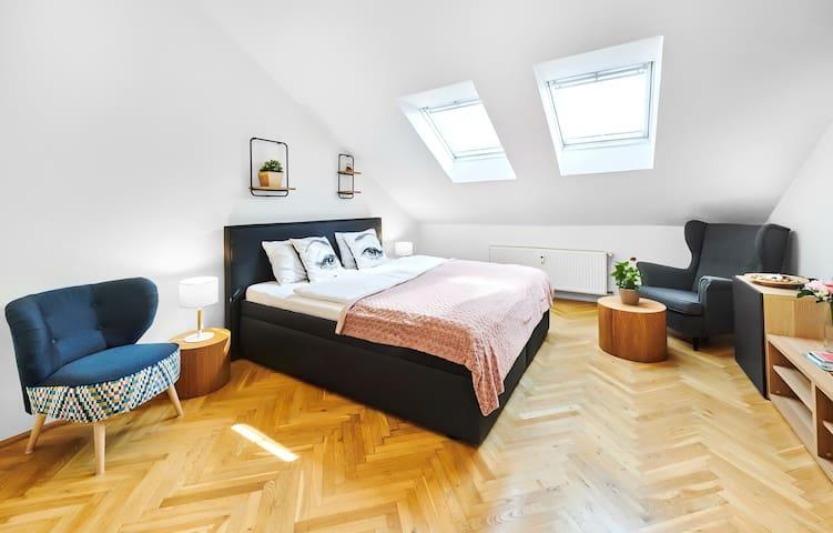 Modern Lesser Town Apartment Nr.10