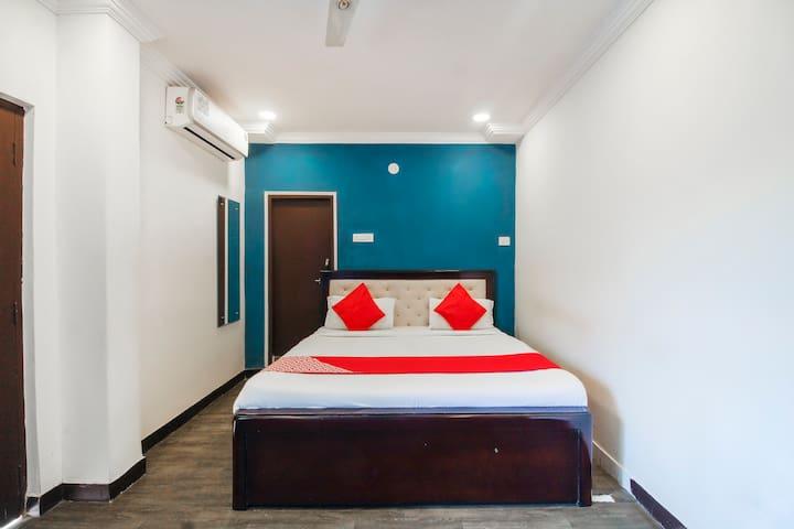 OYO Deluxe 1BR Lavish Stay In Banjara Hills