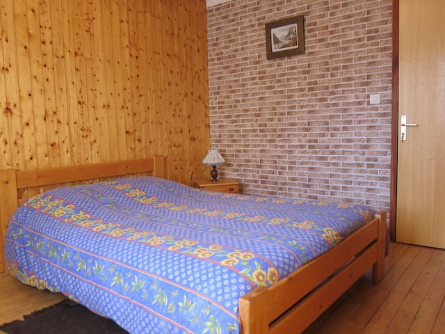3 chambres  avec 1 lits doubles