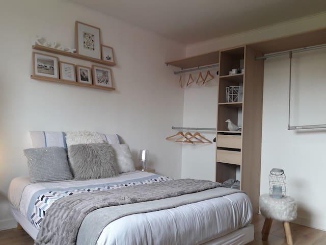 Gite meublé 70 m² 5pers. 2 chambres + jardin