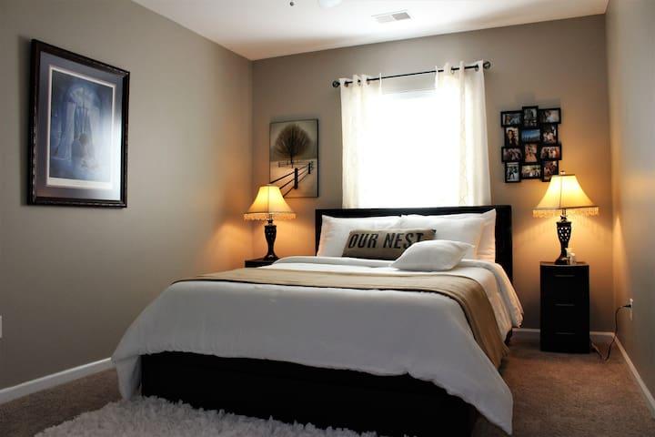 2BR Cozy Home Near Downtown Savannah/ SAV Airport