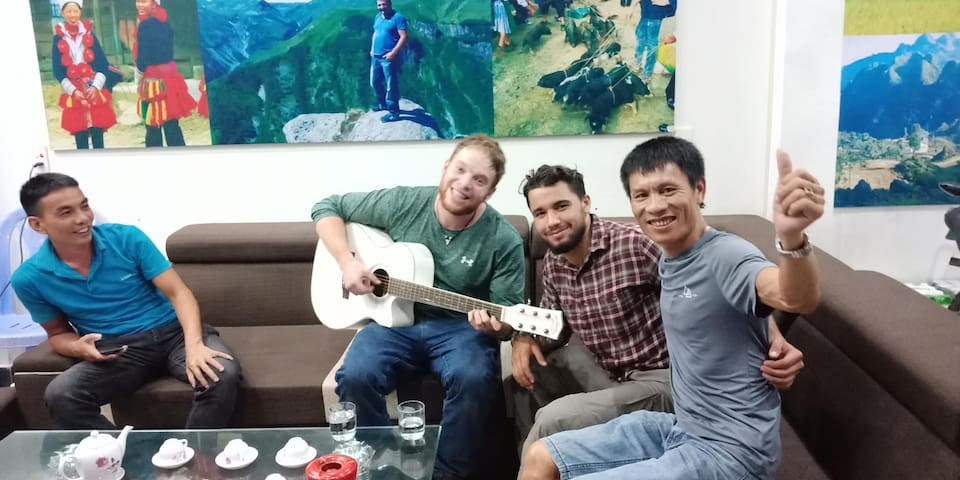 Mr Phuong Hostel 24/24