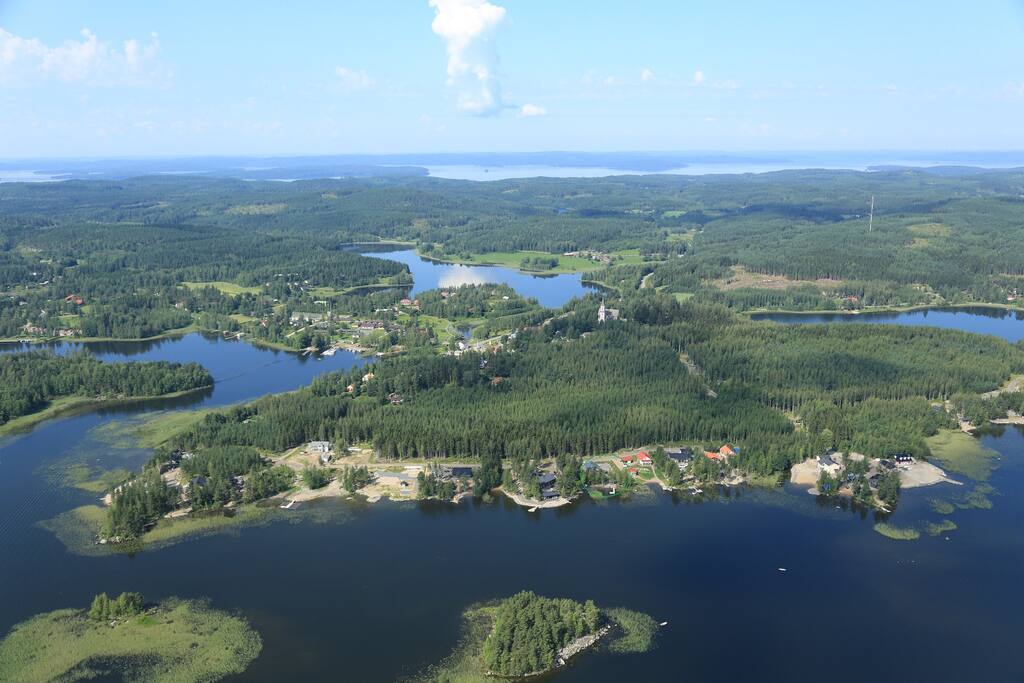 This luxury cottage is located on the bottom of this image, more or less in the center. The lake is the second biggest in Finland and famous for its landscapes and cleaniness.