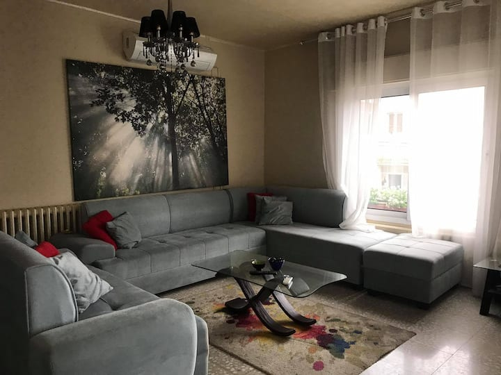 Cozy Spacious Apartment in the Heart of Amman