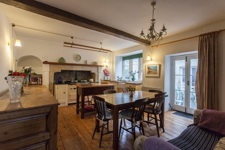 Extraordinary 15th century home near Bath - Colerne - Casa