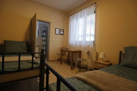 Pokoje z łazienką-Zielonka dobre połączenie z W-wa - Zielonka - Herberge