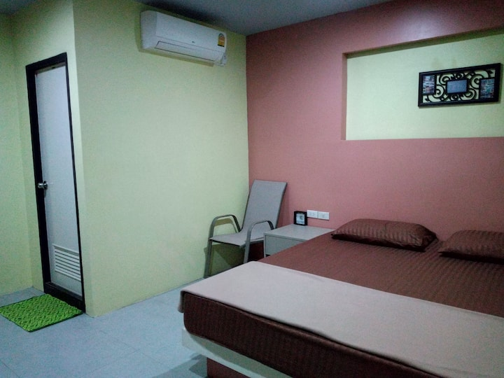 A budget room 2 mins walk to Phuket old town