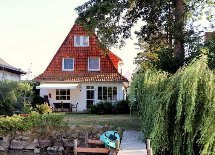 Strandhaus Steenewark am Ufer des Steinhuder Meers