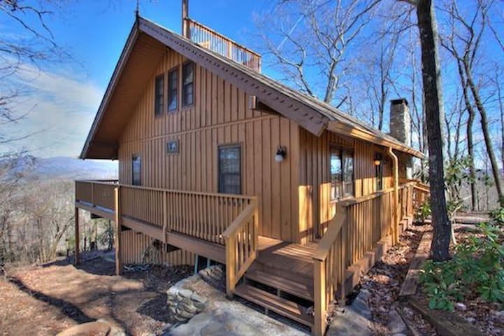 Newly Updated Cabin with Amazing Views