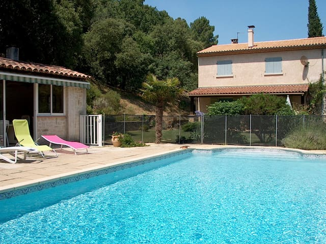 maison provençale avec piscine - Bagnols-sur-Cèze - Huis