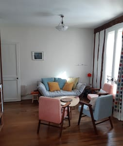 Charming 2 rooms, clear and calm in Batignolles