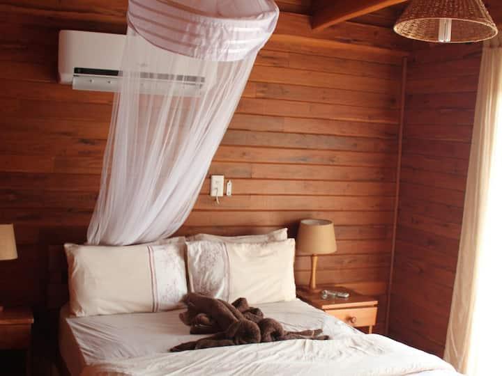 108 - 2 Private Rooms 2 Loft Rooms