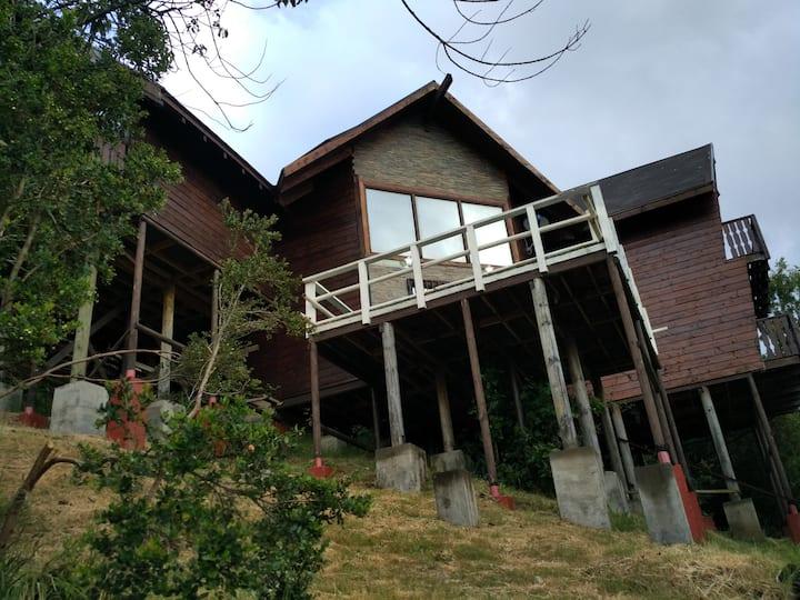 Casa en Caburgua, amplia, acogedora, para 6 pers.