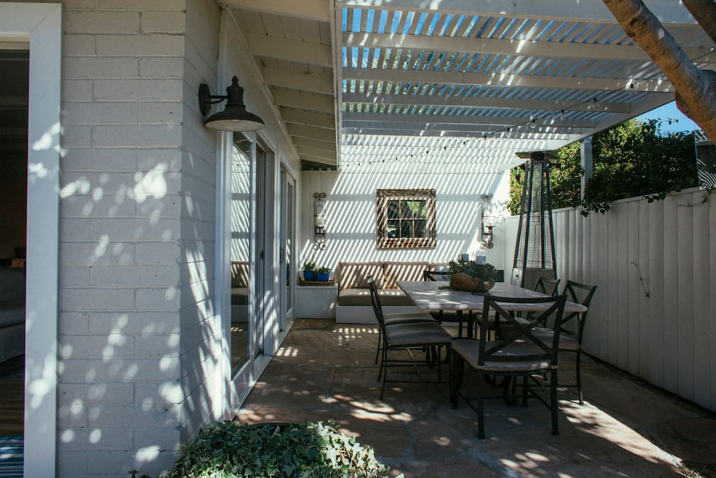 Outdoor Living and dining space