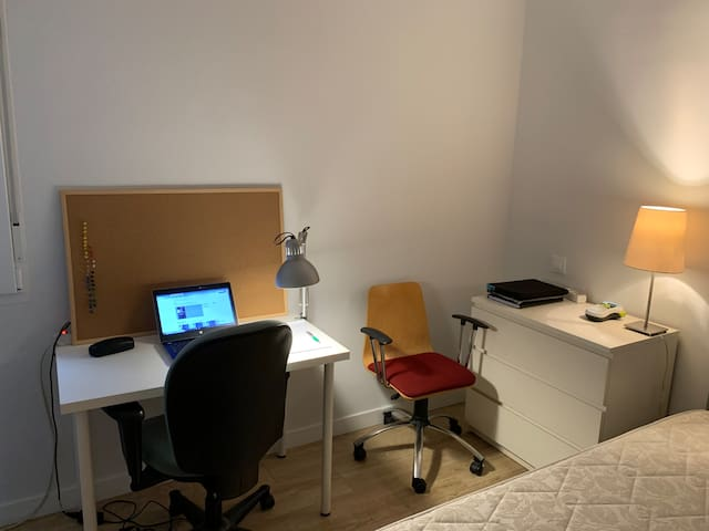 Fantastic room in Madrid center with A/C