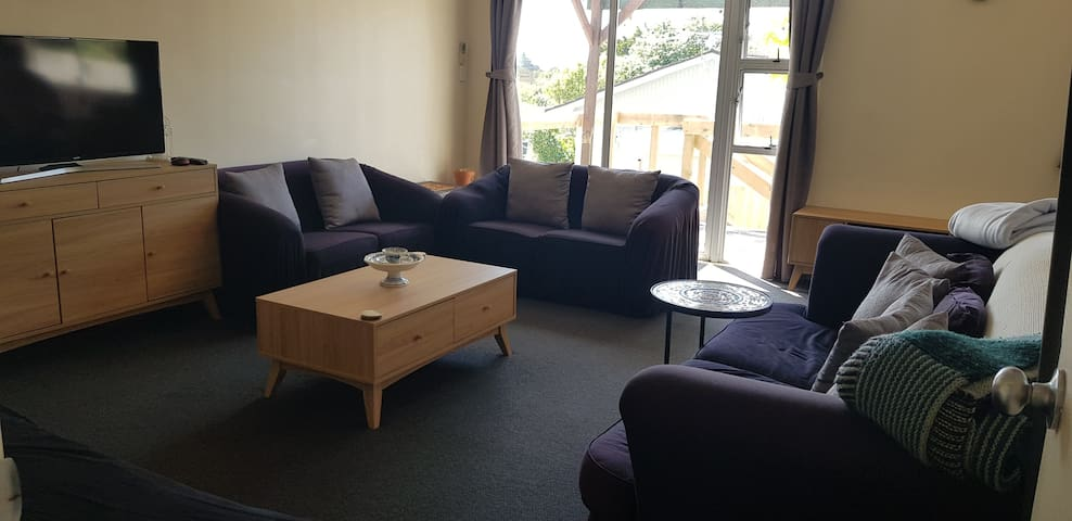 Lounge, shared with host and other Airbnb guests.