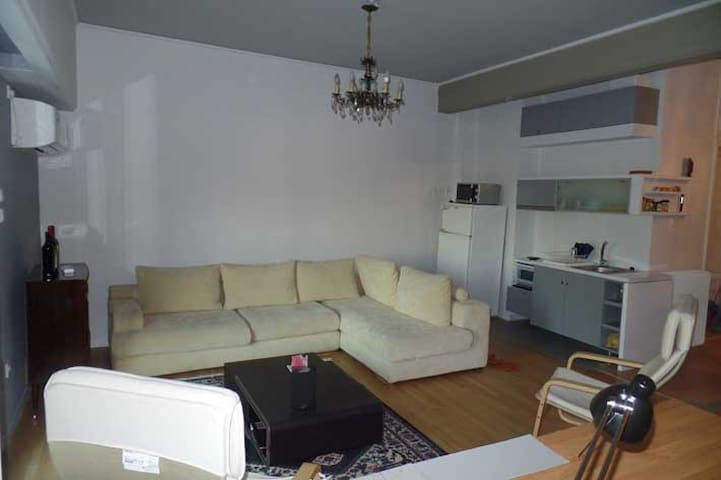 Modern renovated centrally located 75m2 appartment