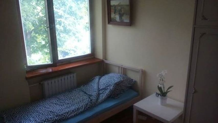 HomeHostel 2a - pokój dla jednej osoby