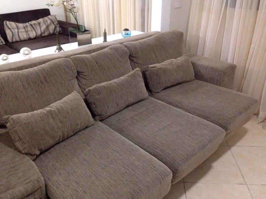 Sofa -bed 2 in the living room to sleep 1 Volunteer
