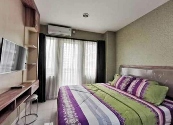Nice Studio Room at Premi Inn Sentul Tower