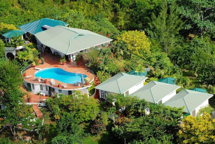 Top O' Tobago Villa & Cabanas: Entire Property