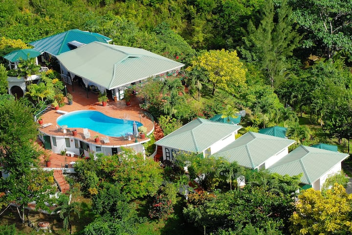 Top O' Tobago Villa & Cabanas: Entire Property