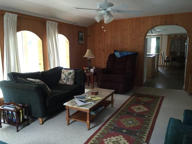 Charming Home Near Flathead Lake - Polson - Haus