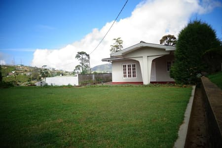 Holiday Home Nuwara Eliya - Nuwara Eliya - วิลล่า