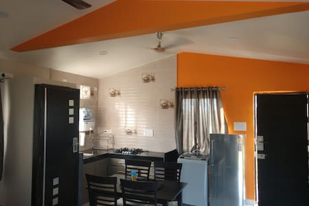 looking for guesthouse near  shirwal/satara MIDC ?