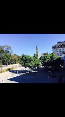 F2 bis au centre ville de Metz avec Parking